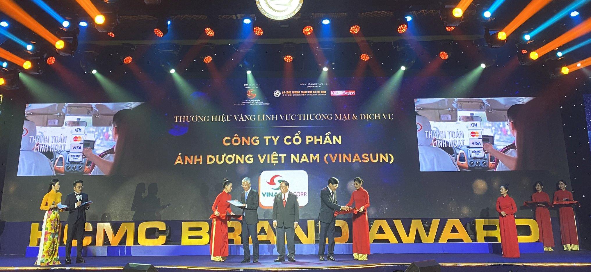 Vinasun Corp nhận giải thưởng Thương hiệu Vàng TPHCM 2020